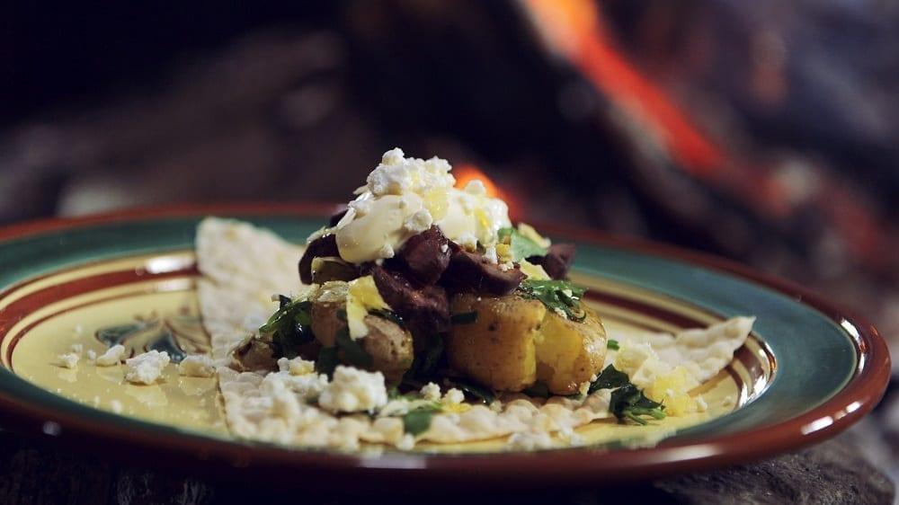 Lefse med potetsalat og grillet reinsdyrkjøtt